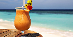 6952182-cocktail-on-beach-1